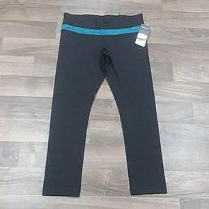 Kirkland Womens Active Yoga 3/4 Leggings
